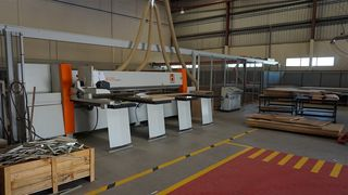 Satisfied HOLZ-HER customer: Pressure beam saw, storage solution, CNC machining, nesting
